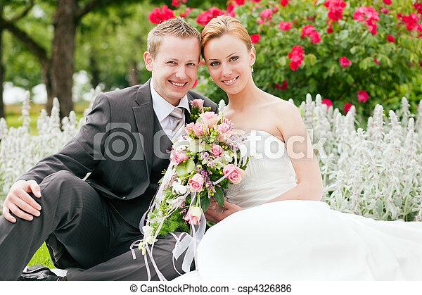 -, ślub, szambelan królewski, park, panna młoda - csp4326886
