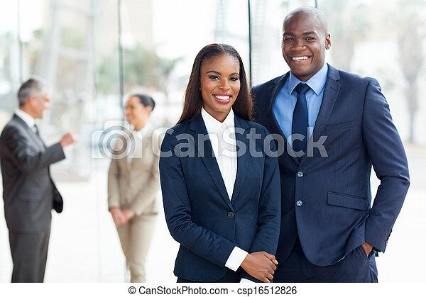 amerykanka, afrykanin, businesspeople, młody - csp16512826