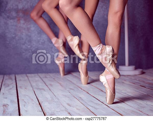 baleriny, pointe, feet, młody, obuwie - csp27775787