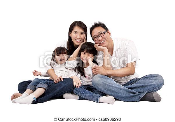 biały, asian rodzina, odizolowany - csp8906298