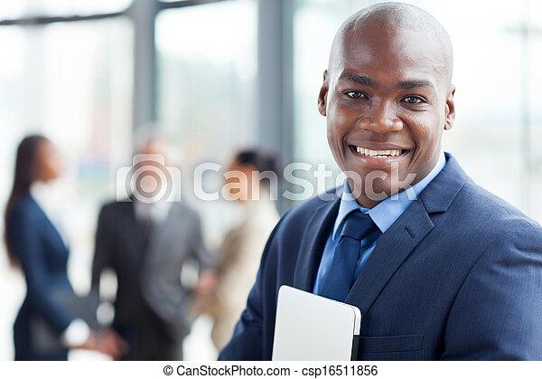 biuro, nowoczesny, pracownik, młody, afrykanin, zbiorowy - csp16511856