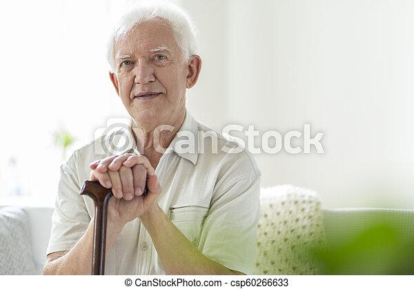 drewniany, pielęgnacja, piesza pałka, dom, starszy człowiek - csp60266633