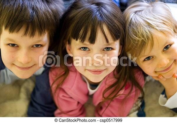 dzieci, szczęśliwy - csp0517999