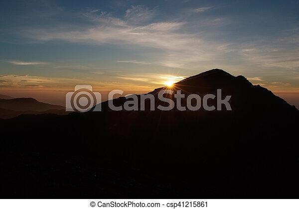 góra, wschód słońca - csp41215861