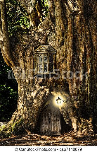 kaprys, dom, fairytale, drzewo, miniatura, las - csp7140879