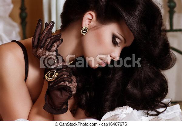 kobieta, biżuteria, fason - csp16407675
