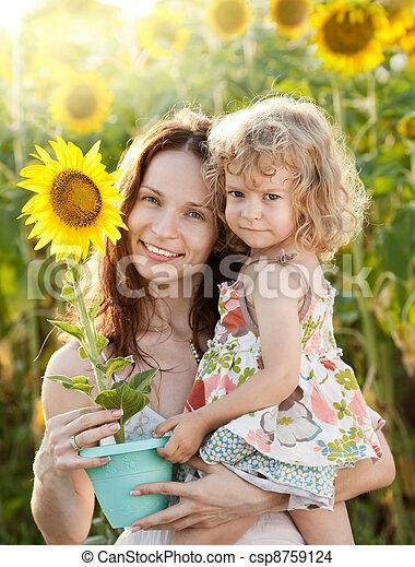 kobieta, słonecznik, dziecko - csp8759124