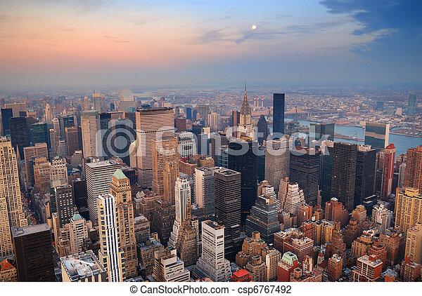 miasto, antena, sylwetka na tle nieba, york, nowy, manhattan, prospekt - csp6767492