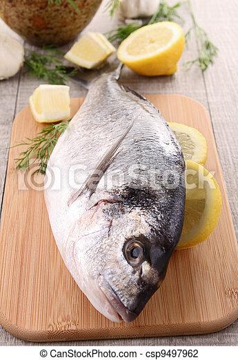otrzyjcie skórę rybę - csp9497962