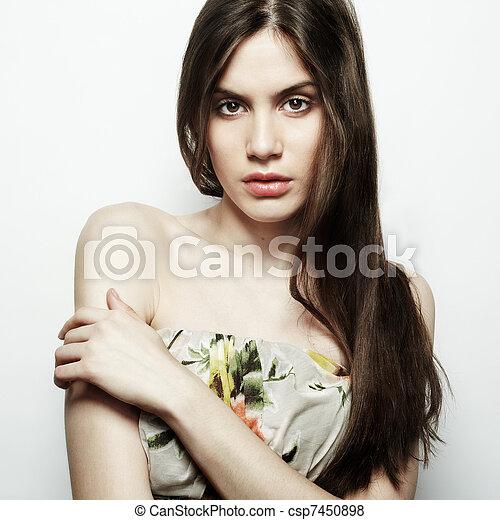 piękny, ciemny, fason, młody, włosy, elegancki, portret kobiety - csp7450898