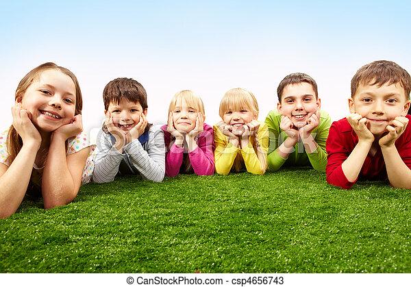 spoczynek, dzieci - csp4656743