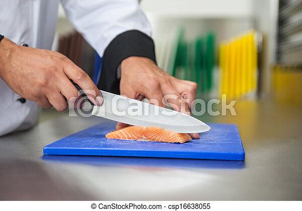 surowy, mistrz kucharski, deska, błękitny, łosoś, nóż, cięcie, rozkrawając - csp16638055