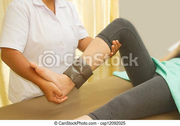 trening, rehab, terapeuta, kolano, mięsień, fizyczny - csp12092025